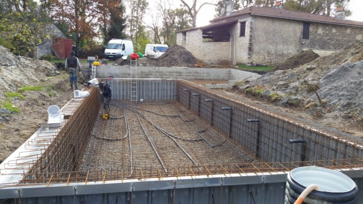 Insert title here for Construction piscine debordement